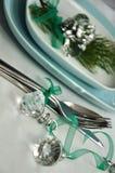 Dienende lijst met Kerstmisdecoratie Stock Afbeeldingen