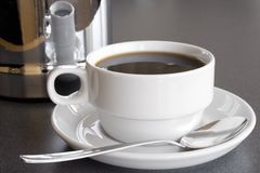 Dienende Zwarte Koffie Stock Foto