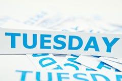 Dienstag-Wortbeschaffenheitshintergrund. stockbilder