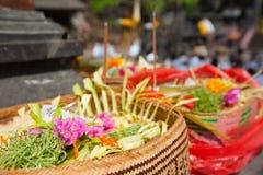 Dienstenaanbod aan goden in Bali Royalty-vrije Stock Foto's