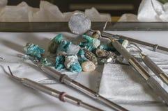 Dientes humanos, exploración urbana abandonada de la oficina de los dentistas imagen de archivo libre de regalías