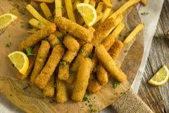 Diep Fried Fish Sticks met Frieten stock foto