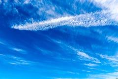 Diepe blauwe hemel Stock Foto's