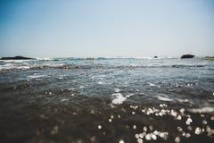 Diepe blauwe Indische Oceaan op het eiland van Bali royalty-vrije stock afbeelding