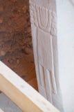 Dierlijke die cijfers op stele worden gesneden Stock Foto's