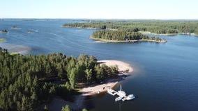 Diese Art der Ansicht ist hier im Archipel von Finnland ziemlich üblich stock video