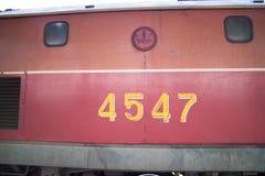 Diesel κινητήριο αριθ. της Γερμανίας 4547 τραίνο αριθ. 52 από Chiangmai στην απαγόρευση Στοκ εικόνα με δικαίωμα ελεύθερης χρήσης