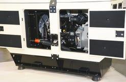 Diesel generator met open dooors stock afbeeldingen