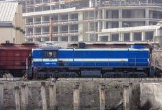 Diesel locomotief in de ladingshaven van Baku, de Republiek Azerbadjan, 15 Maart, 2017 Royalty-vrije Stock Foto's