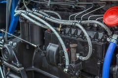 Diesel machtsmotor bij nieuwe tractor Stock Foto's