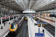 Diesel- och elektriska drev Manchester Piccadilly Royaltyfri Bild