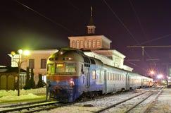 Diesel trein in de voorsteden Royalty-vrije Stock Afbeeldingen