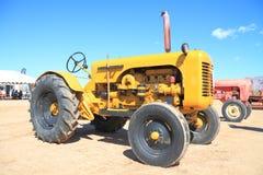 Klassischer amerikanischer Traktor: Leroi 1958 Stockbild