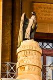 Dieses ist eine wirklich alte römische simbolic Statue stockbilder