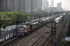 Dieslowscy i Elektryczni pociągi pasażerscy, Szanghaj Zdjęcia Stock