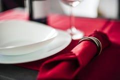 diet вода ленты таблицы стеклянного измерения тарелки установленная Стоковое фото RF