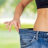 Dieta bem sucedida do corpo magro do emagrecimento da cintura Fotos de Stock Royalty Free