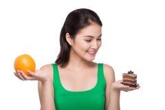Dieta Conceito de dieta Alimento saudável Mulher asiática nova bonita imagens de stock royalty free