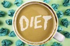 Dieta del texto de la escritura de la palabra El concepto del negocio para los dietético crea planes de la comida para adoptar y  Fotos de archivo libres de regalías