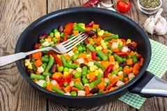 Dieta e dieta saudável, guisado vegetal com feijões fotografia de stock royalty free