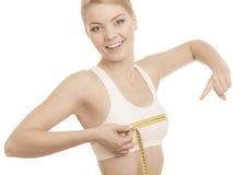 Dieta Menina com de fita medida da caixa da medição Fotografia de Stock