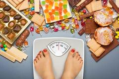 Dieta non sana - sovrappeso Fotografie Stock Libere da Diritti