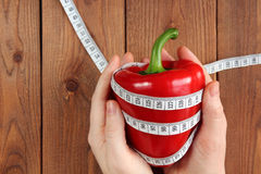 Dieta Peperone a disposizione Immagini Stock Libere da Diritti