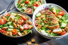 Dieta sana empleada la ensalada de la base Imagenes de archivo