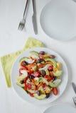 Dieta sana Frutta fresca ed insalata delle verdure Immagine Stock Libera da Diritti