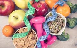 Dieta sana, perdita di peso - concetto di cibo sano immagini stock libere da diritti