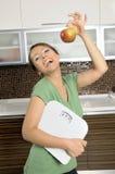 dieta sana sorridente della donna felice immagini stock libere da diritti