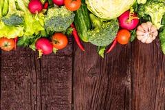 Dieta saudável de verdes comestíveis e de vegetais Imagem de Stock