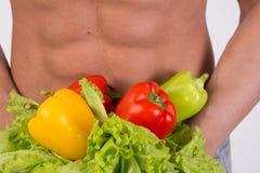 dieta sport Atrakcyjny mężczyzna z mięśniowym ciałem zdjęcie royalty free