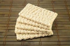 Dietiskt bröd på en tappningbakgrund Arkivbild