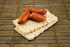 Dietiskt bröd på en tappningbakgrund Arkivfoton