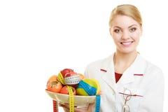 Dietista di medico che raccomanda alimento sano Dieta Fotografie Stock Libere da Diritti