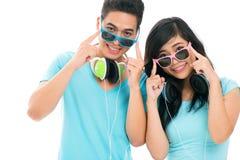 Dietro gli occhiali da sole Immagini Stock