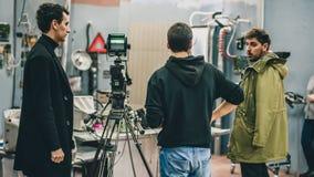 Dietro la scena Scena di film di contaminazione delle troupe cinematografica in studio immagini stock libere da diritti
