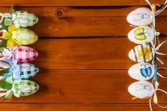Diez huevos de Pascua hechos a mano coloridos Imagen de archivo libre de regalías