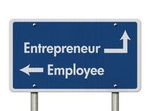 Diferença entre ser um empresário ou um empregado foto de stock