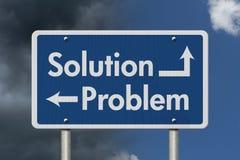 Diferença entre a solução e o problema imagens de stock