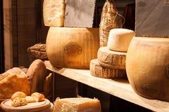 Diferente tipo de queso italiano en el anfitrión 2013 en M Foto de archivo