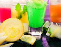 Diferentes tipos de limonadas frescas Fotos de archivo