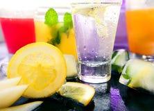 Diferentes tipos de limonadas frescas Imagenes de archivo