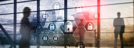 Difesa di segretezza di informazioni, di Cybersecurity, di protezione dei dati, del virus e di spyware fotografie stock