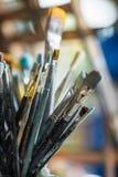 Différentes brosses de peinture Images stock