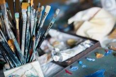 Différentes brosses de peinture Photos libres de droits