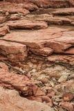Différentes couches colorées de roche Photo libre de droits