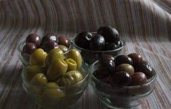 Différentes couleurs d'olives Photos stock