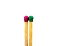 Différentes couleurs de match sur un fond blanc la vision abstraite soit personnalité ou position différente et unique de la foul Photos libres de droits